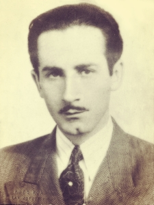 Nicolás Marín Conejo. Mártir en la Revolución de 1948. En homenaje a su memoria se fundó en ese año el Deportivo Nicolás Marín