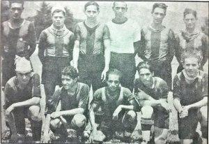 Arriba de izquierda a derecha el tercero Carlos